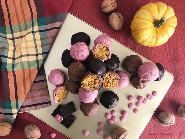 Dyniowo-jabłkowe trufle oblane czekoladą