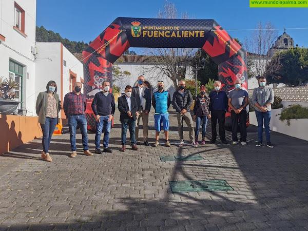Fuencaliente completa su Paseo de la Fama colocando las placas de los últimos ganadores de la Transvulcania
