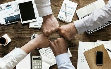 أفضل 4 خطوات استراتيجية لبدء مشروع شركة تسويق الكتروني ناجحة
