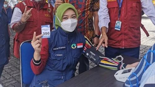 Istri Ridwan Kamil Terinfeksi COVID-19 Setelah Dua Kali Disuntik Vaksin