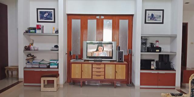 Ruang Keluarga Rumah Mewah Modern Di Jalan Kemiri II Simpang Limun Medan Sumatera Utara - 0812 8383 8397