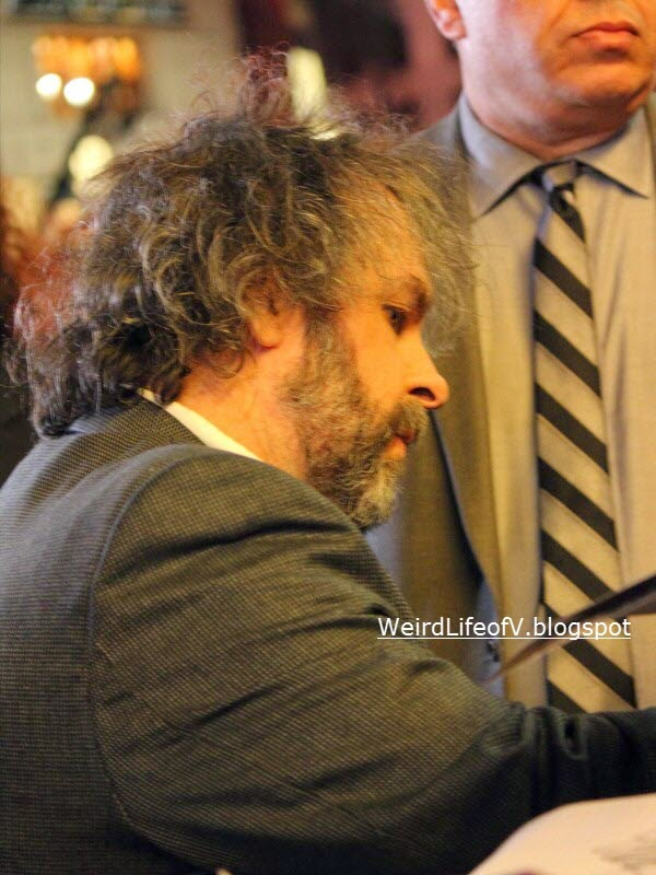 Peter Jackson signing autographs