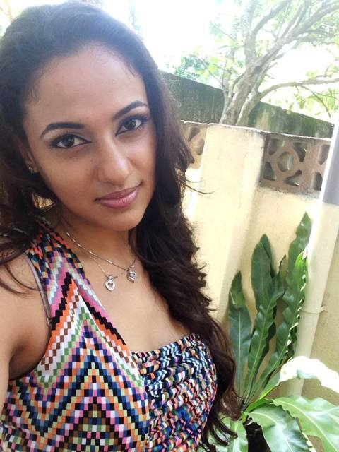 http://www.lankantv.info/articles/udari-warnakulasuriya-new-hot-photo-shoot_85.html