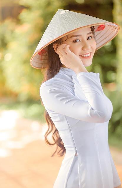 """Nữ sinh Đắk Lắk """"gây thương nhớ"""" với nét đẹp trong veo"""