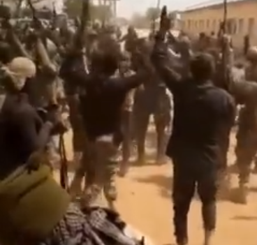 Nigerian soldiers celebrates after capturing a Boko Haram stronghold (video)