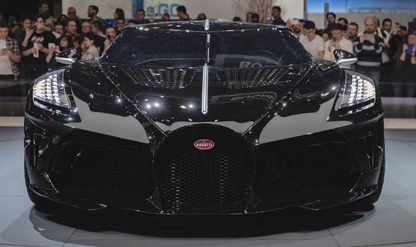 كريستيانو رونالدو يشتري سيارة بوغاتي ب 9.5 مليون جنية استرليني - أغلى سيارة في العالم