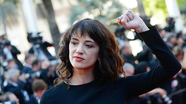 La actriz que denunció a Weinstein compró el silencio de un actor del que abusó cuando era menor