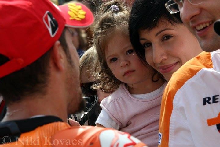 Andrea Dovizioso's Wife Denisa and Daughter Sara (Photo) - playersGF.com