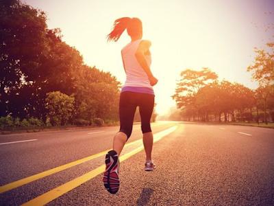 Siapkan 5 Perlengkapan Jogging Ini, Agar Suasana Lari Kamu Jadi Lebih Fun!