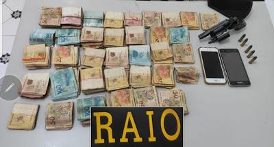 RAIO APREENDE REVOLVER E 23 MIL REAIS EM SÃO BENEDITO