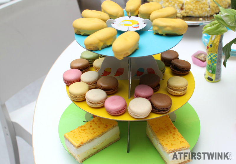 HEMA Easter 3-tier cupcake stand eclairs macarons tompouce