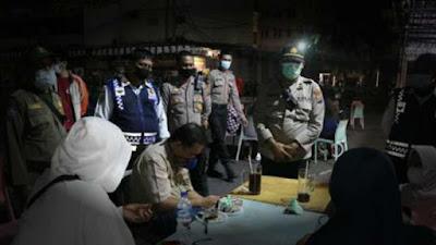 Gabungan Patroli Prokes dan PPKM Mikro Medan Segel Restoran dan Kafe di Medan Tembung