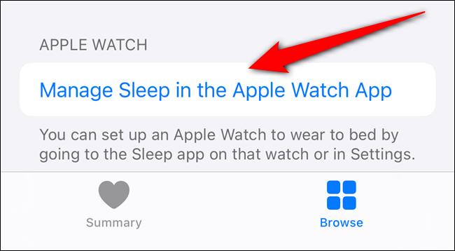 """اضغط على """"إدارة السكون في تطبيق Apple Watch""""."""