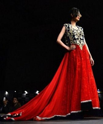 Top 10 best Pakistani fashion dresses you can buy in 2017