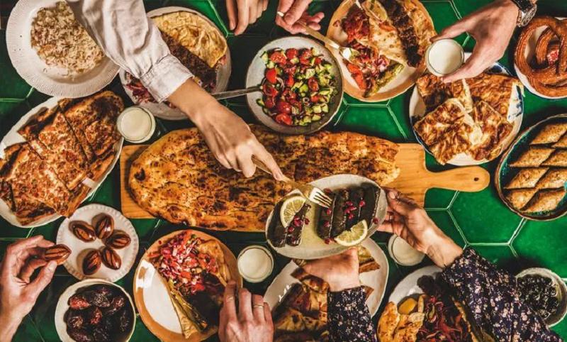 Yemeği beraber yemek