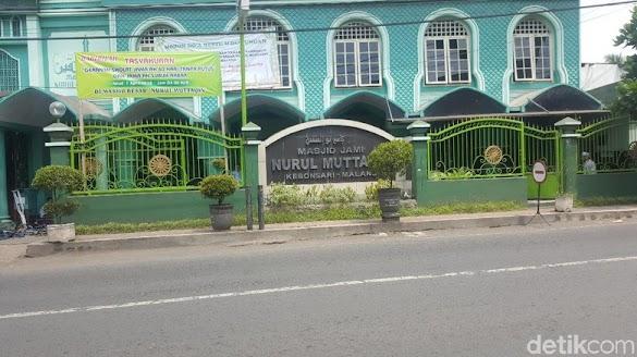 Seorang Pria Tak Dikenal Rusak Masjid di Malang