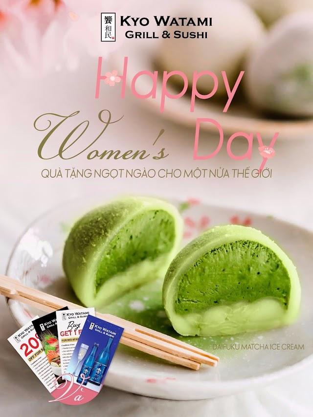 Mừng ngày phụ nữ Việt Nam - Kyo Watami trao quà cho phái đẹp