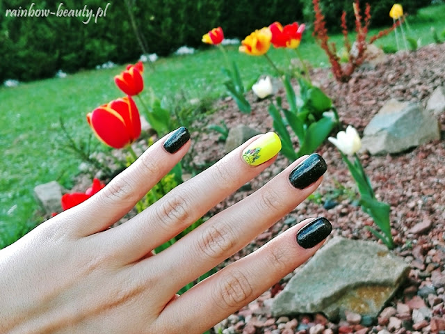 neon-dream-catcher-manicure