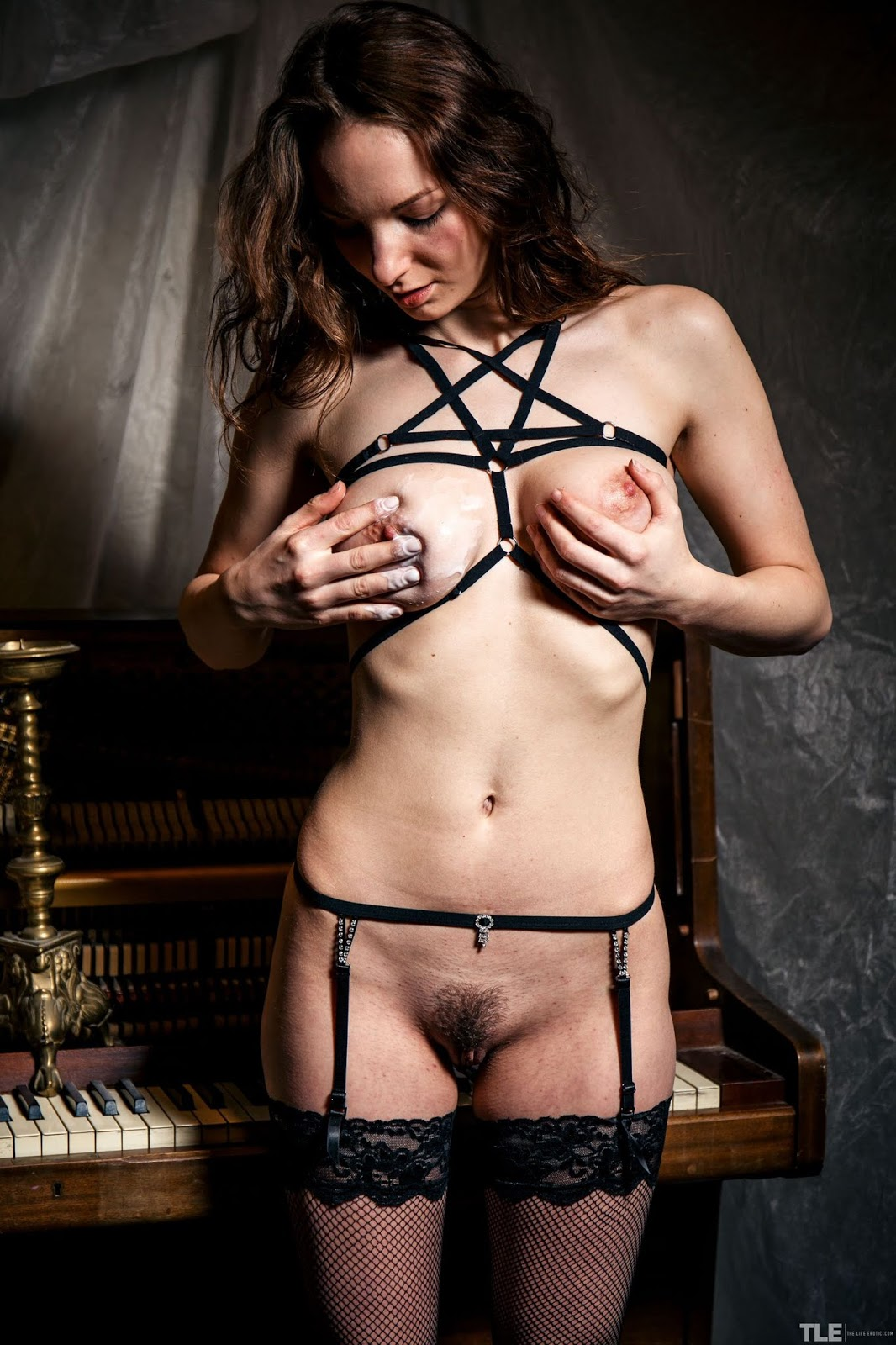 Anna Ferox - TheLifeErotic - Wax Lyrical - Wax Pussy Pictures