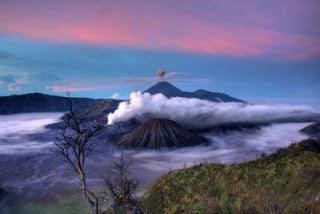 Panorama Sunrise Gunung Bromo