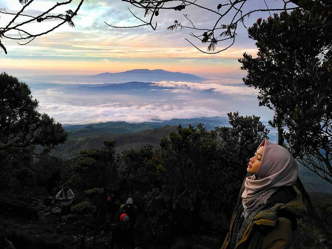 31 Tempat Wisata Di Kuningan Jawa Barat Paling Hits