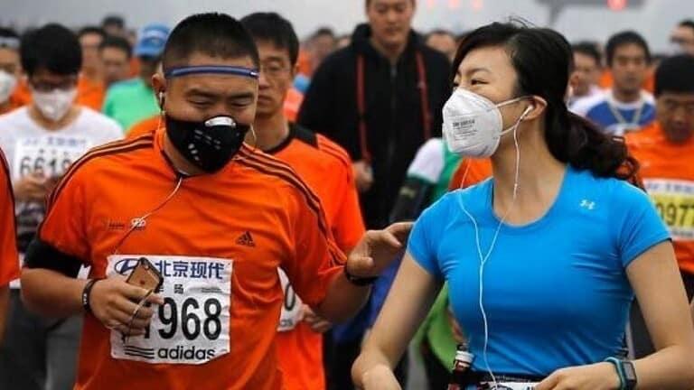 هذا-ما-حدث-لرئتيه-عداء-صيني-كاد-يدفع-حياته-ثمن-ارتدائه-كمامة-أثناء-الركض
