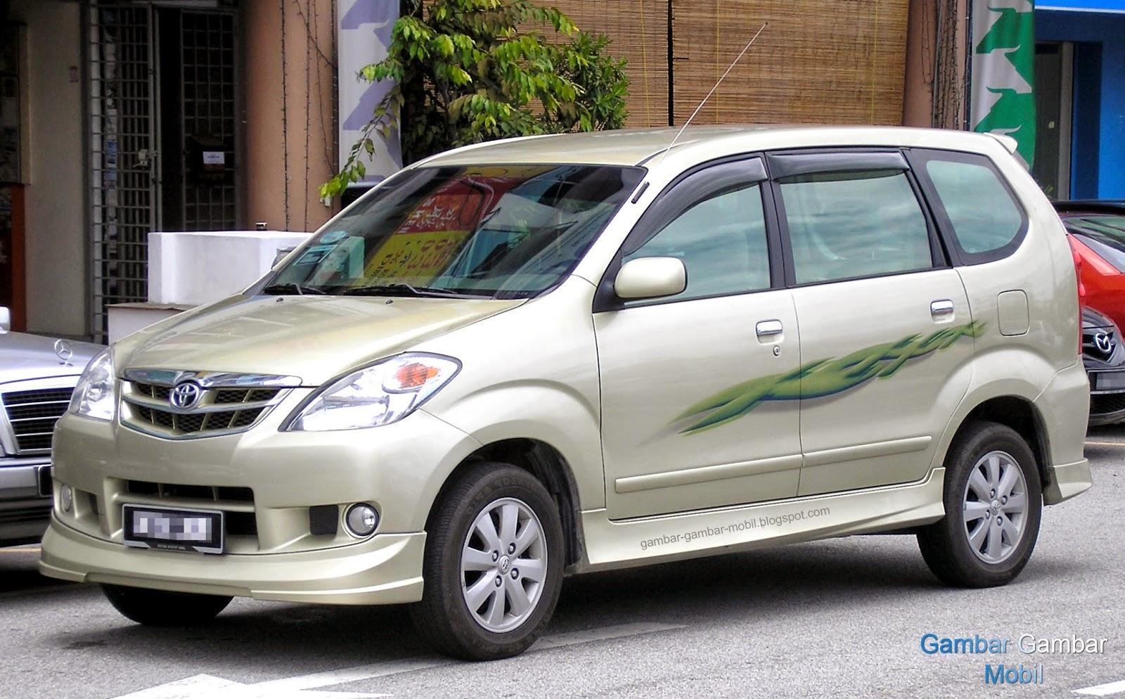 Gambar Mobil Avanza Tabrakan