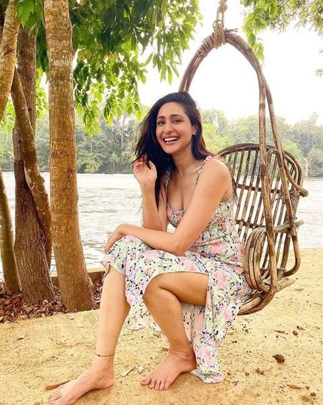 Actress Snaps: Pragya Jaiswal Latest Pictures