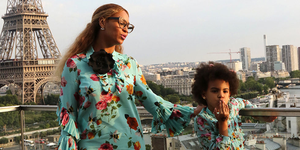 479063039 ... the actual definition ya mini-me style, Blue Ivy is matching with her  mother but she is not wearing exactly what Beyonce is wearing, but the more  cute ...