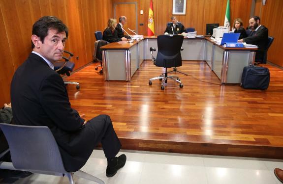 BlueBay solicita justificar los 8,5 millones de euros del préstamo solicitado por el Administrador del Málaga