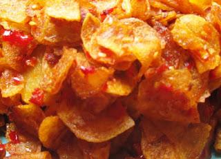 kripik kentang goreng pedas