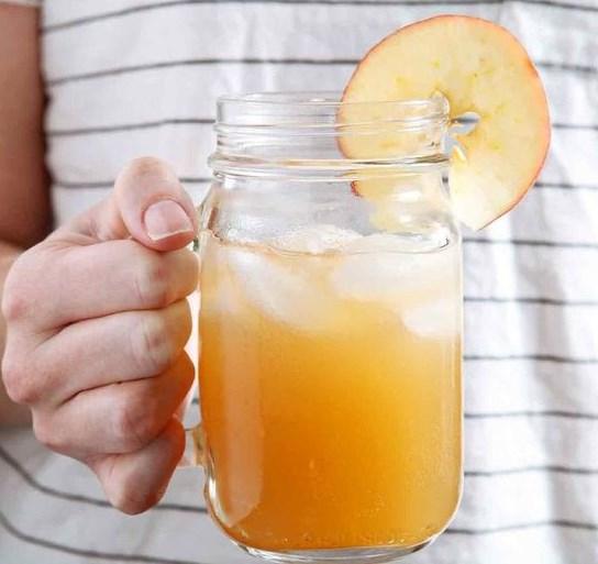 Sparkling Bourbon Pumpkin Apple Punch #falldrink #drinks