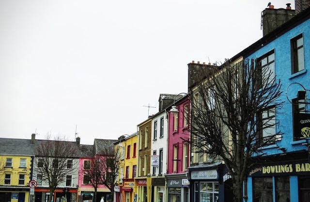 Road Trip Pit Stops between Dublin and Dingle - Listowel Town Square