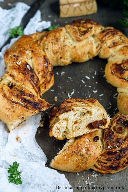 chleb, wieniec, oliwki, grill, impreza, drozdze, bernika, kulinarny pamietnik, pizza