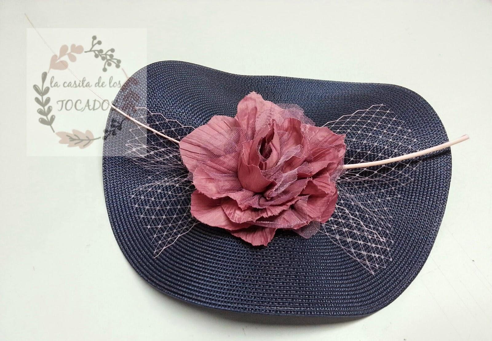 tocado azul marino y rosa a buen precio con flor de tul y organza