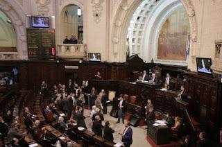 http://vnoticia.com.br/noticia/2773-governo-do-rj-envia-para-alerj-projeto-de-lei-que-reduz-aliquota-de-icms-do-diesel