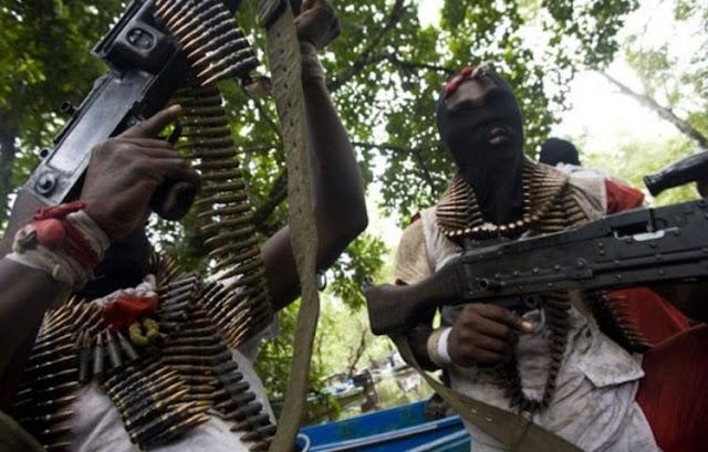 Breaking: Gunmen shoot three policemen dead, set corpse ablaze in Delta
