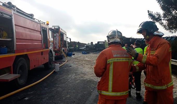 El choque frontal entre un turismo y un camión provoca un fallecido en la A-472 a la altura de Villalba del Alcor