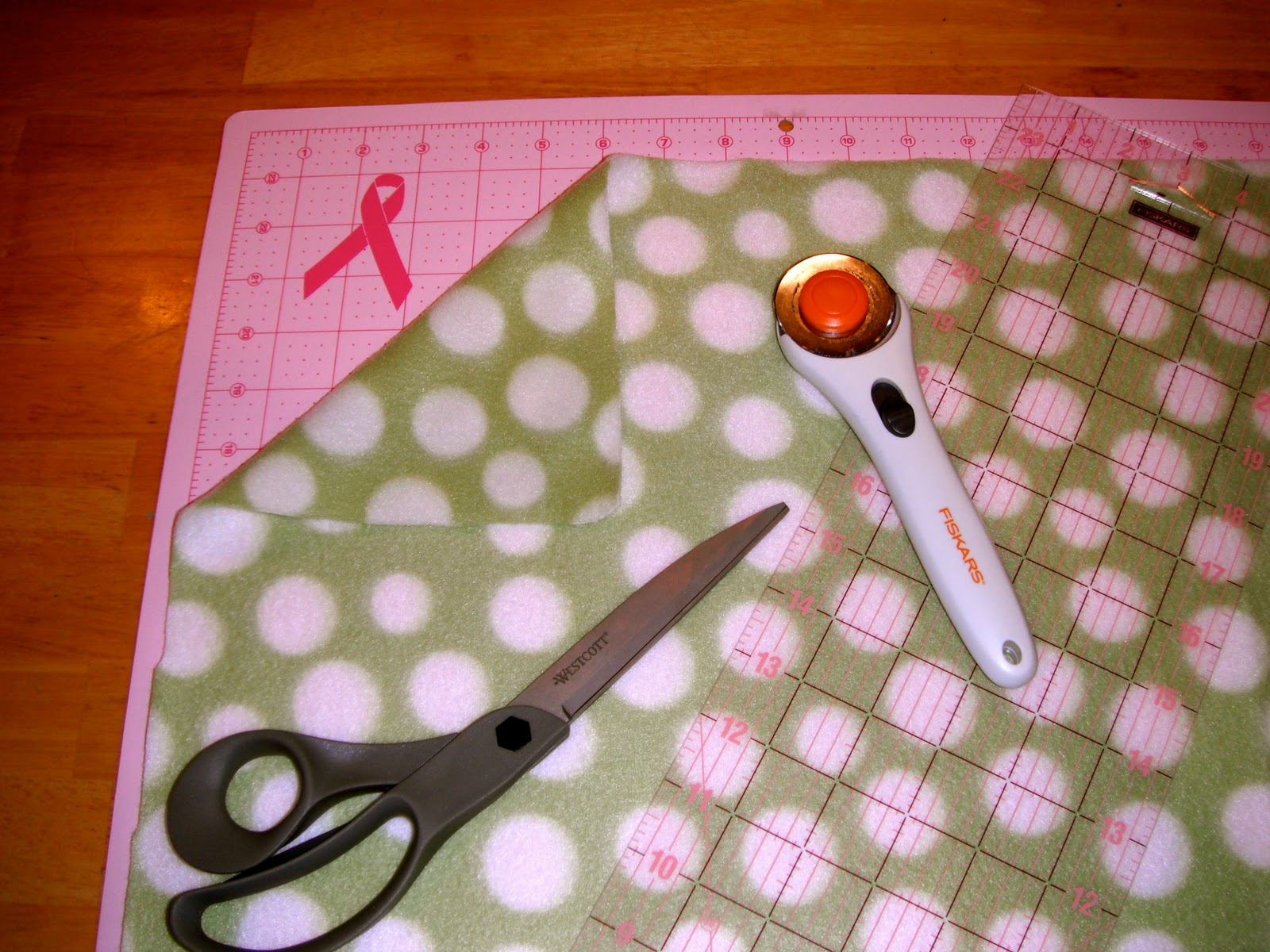 099d191667abfb How to make an easy no sew fleece hat and scarf? | P-ART-Y