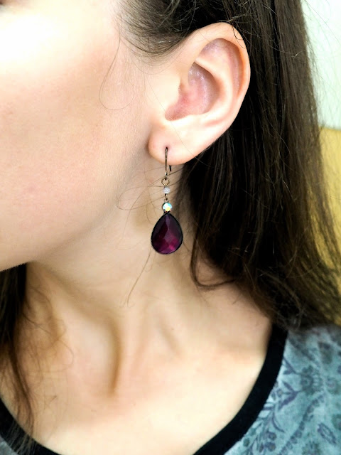 Hit Shuffle | outfit jewellery details of dark purple teardrop beaded dangly earrings