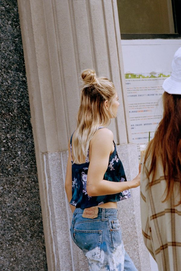 Urban Outfitter's Newest Edit Is A 90's Alternative Girl Romance | Jackie O My