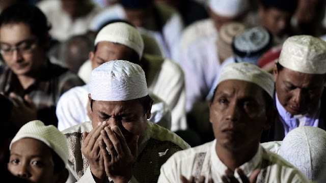Malam Nisfu Syaban 2018 Jangan Sampai Terlewat! Doa Tak Akan Tertolak dan Dosa-dosa Diampuni dengan Amalan Ini