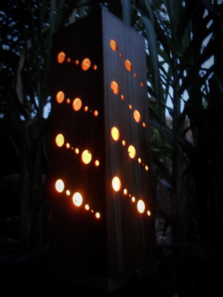 Lampu Hias Dari Kayu Bekas  Majalah Rumah