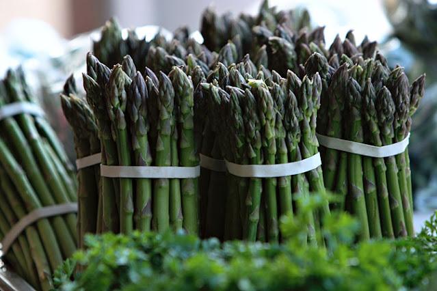 Asparagus Bisa Bikin Kulit Tampak Muda