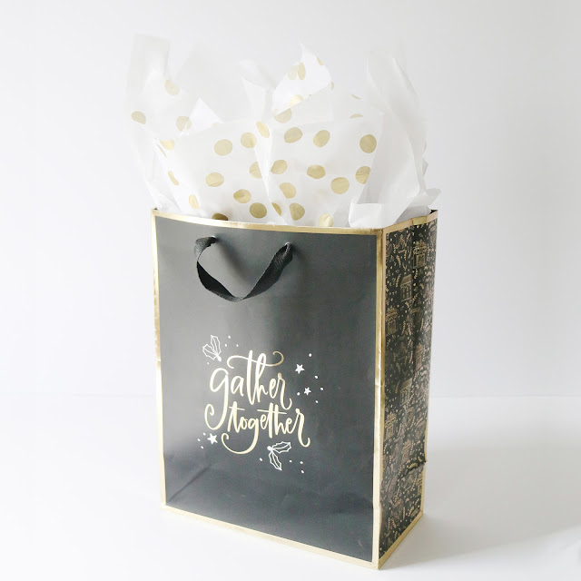 Starry Night Holiday Collection - classic black & white with touches of gold foil | creativebag.com
