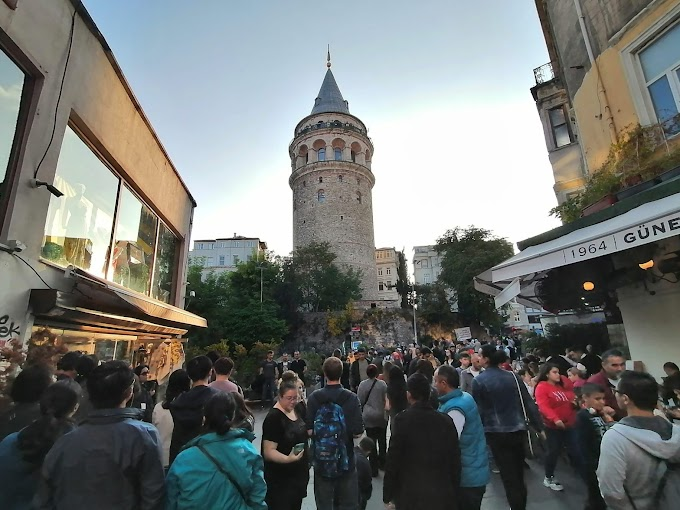 Galata kulesini görmeye gittik Eminönü'ne çıktık