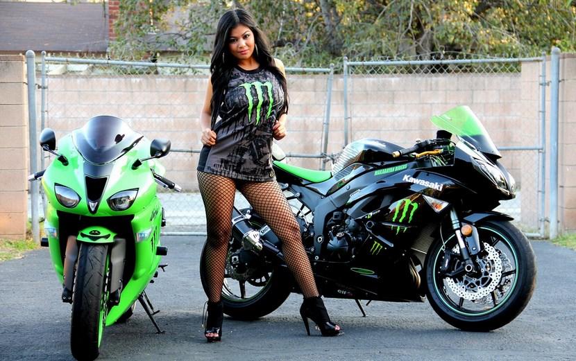 Sejarah dan Harag Terbaru Moto Yamaha