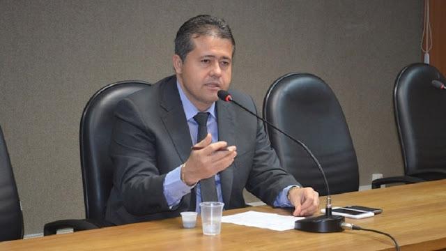 Fim da validade dos créditos de celulares pré-pagos na Bahia é lei; Alex da Piatã comemora