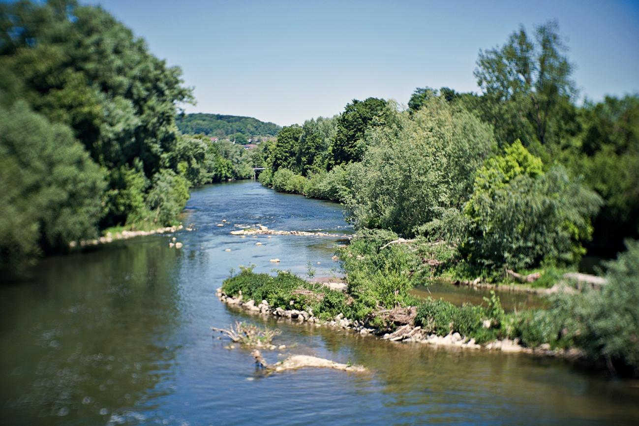 Zum Tagesabschluss — Blick Neckarabwärts bei Nürtingen