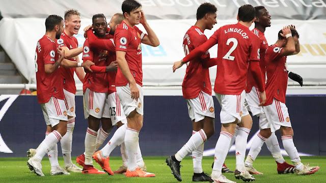 Man United players celebrates Wan Bissaka's goal against Newcastle